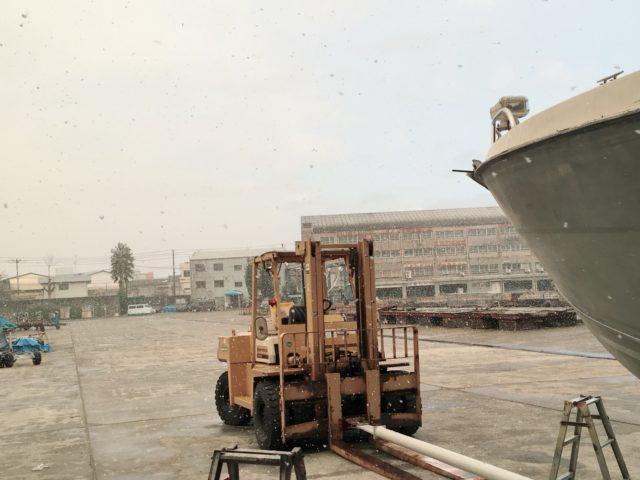 中古ボート『PONAM26S』塗装前の準備はまだまだ続きます・・・