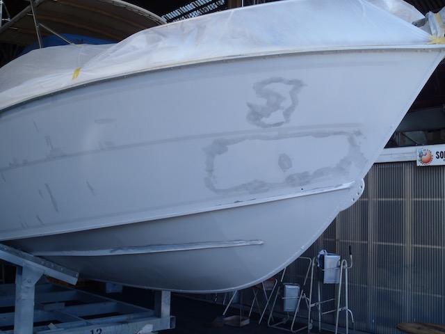 中古艇だけにポーナム26Sのハルは・・・